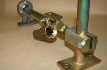 Dieses Bild zeigt eine Spurkranztrockenschmierung wo diverse Montage und Schweißarbeiten dran ausgeführt wurden.
